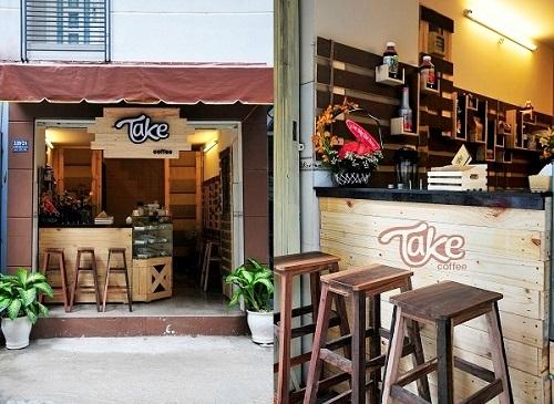 Bảng hiệu cafe take away bằng gỗ